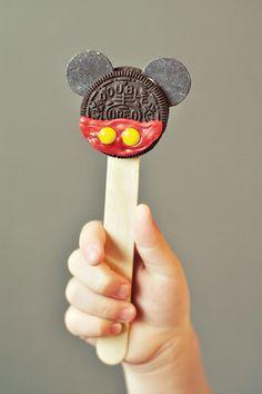 Classic & Crafty Mickey Mouse Birthday Party: DIY treats idea