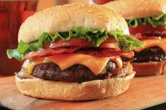 Consejos de cheffs para hacer hamburguesas:  · 30-40% de grasa · tocineta molida · Salsa de ostras chinas en vez de sal · El mejor molde la tapa de la mahonesa Hellmans · No apretar la carne, riesgo de que se haga muy seca