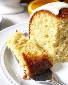 Cake bowl with red fruits - HQ Recipes Breakfast Dessert, Dessert For Dinner, Marble Pie, Carrara Marble, Delicious Cake Recipes, Dessert Recipes, Cardomom Recipes, Cardamom Cake, Swedish Recipes