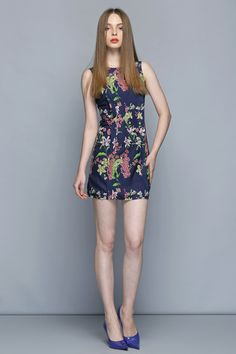 Navy Floral Print Dress #Daytime #DateNight #sweetstyle  http://www.macaronfashion.com/dresses/view-all/navy-floral-print-dress.html