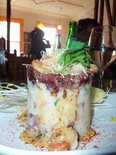 Torre de morcilla, papas rústicas y salsa de ostiones... Cocina Puerto en Valparaíso...