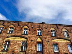 #Katowice, ul. Złota 9 #townhouse #kamienice #slkamienice #silesia #śląsk #properties #investing #nieruchomości #mieszkania #flat #sprzedaz #wynajem Ul, Mansions, House Styles, Home Decor, Decoration Home, Manor Houses, Room Decor, Villas, Mansion