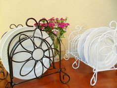 Luxuy e rústico New Homes Iron Furniture, Furniture Decor, Stainless Steel Work Table, Dish Racks, Viking Tattoo Design, Gate Design, Homemade Beauty Products, Vintage Kitchen, Wrought Iron