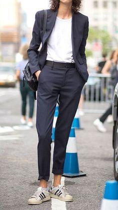 stylish look_black suit + bag + white tee + sneakers