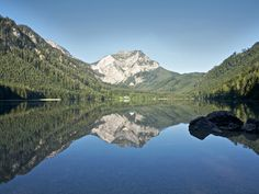 Two mountain lakes. Park at Vorderer Langbathsee and walk around it or hike to Hinterer Langbathsee Stroller friendly. Stuff To Do, Things To Do, Heart Of Europe, Short Trip, Austria, Mount Everest, Hiking, Wanderlust, Mountains