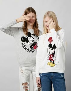 Discover the lastest trends in Sweatshirts & Hoodies with Bershka. Log in now and find 77 Sweatshirts & Hoodies and new products every week Cute Disney Outfits, Sexy Outfits, Kids Outfits, Cute Outfits, Mickey Mouse Outfit, Mickey Mouse Sweatshirt, Sweat Shirt, Kids Studio, Printed Sweatshirts