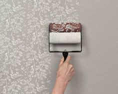 easy detailed touch with Patterned Paint Rollers. --- The finished product is very good, but now i need a DIY to make my own pattern paint roller :P Chic Decor, Decor, Home Diy, Patterned Paint Rollers, Paint Roller, Classic Wallpaper Pattern, Classic Wallpaper, Diy Home Decor, Shabby Chic Homes