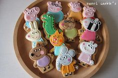 peppa pig | Cookie Connection Peppa Pig Personajes, 2 Birthday Cake, Birthday Parties, Pig Cookies, Sugar Cookies, Peppa Pig Cookie, Cumple Peppa Pig, Pig Character, George Pig
