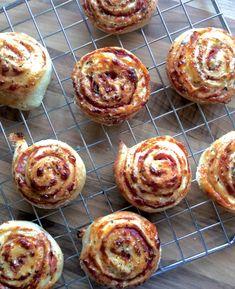 glutenfrie pizzasnurrer lavfodmap lowfodmap Fodmap Recipes, My Recipes, Dinner Recipes, Norwegian Food, Norwegian Recipes, Low Fodmap, Baked Goods, Tapas, Muffin