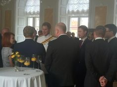 HRH Prince Harry meets #Estonian Gov members, MPs @Riigikogu thanking for UK-EST defence cooperation #HRHEstonia pic.twitter.com/5ZpnxczXGH