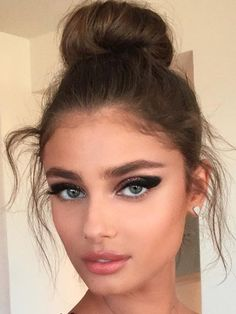 Messy Bun and Bold Liner