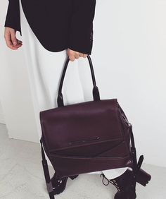 Philo EMPIRE Shoulder Bag ♡ Fall Collections, Work Wear, Empire, Burgundy, Shoulder Bag, Luxury, Instagram Posts, Bags, Clothes