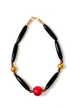 Axel Accessories : ESHOP WOOD.NECKLACE RED BEAD FRONT