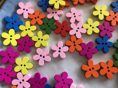 15 Plum Flower Colorful Wooden Buttons | Craft Sewing Scrapbook | 15mm by BeadsBitznBopz on Etsy