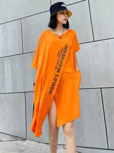 Cropped Letter Print Split-Front Round-Neck T-Shirt T Shirt World, Cotton Style, Cotton Dresses, Neck T Shirt, Top Colour, Tees, Shirts, Casual, Letter