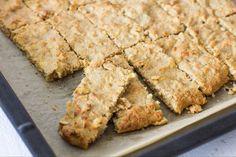 Apfel-Haferflocken Riegel - New Ideas No Bake Oatmeal Bars, Healthy Oatmeal Recipes, Baked Oatmeal Cups, Apple Recipes, Healthy Snacks, Apple Oatmeal, Fall Dessert Recipes, Fall Desserts, Cupcake Recipes