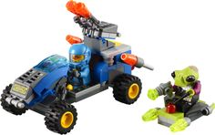 LEGO Set 7050: Alien Defender. Jump on the scout vehicle to catch that alien invader!