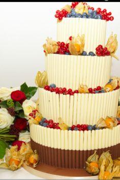 Mum hand decorated my wedding cake #creative #winterwedding #ganache