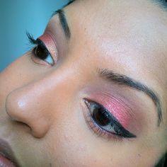 #motd using my new #bhcosmetics #eyesonthe70s #palette - peach shade (inner corner, burgundy shade (middle to outer lid), dark brown (crease) and black gel #wingedliner   #crueltyfree #makeup #makeuplook #makeuppalette #fotd #leapingbunny #brownskin #blackeyes #hotashi