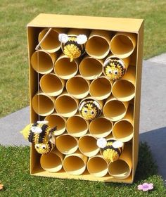 Easy Spring Crafts for Kids to Make at School - Bees and Beehives Back To School Crafts For Kids, Bee Crafts For Kids, Spring Crafts For Kids, Summer Crafts, Kids Crafts, Bee Activities, Bee Theme, Creations, Beehive Craft
