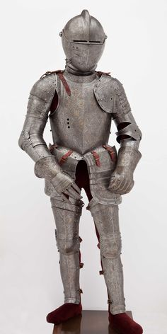 Beautifully acid etched 16th century (so post-medieval) armour (zoom to really see the art work)