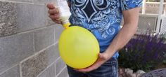 balloon-flour-stress-ball | VIDEO: Man Pours Flour Into A Balloon. When He Shows Why? You'll Run To Try It!