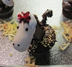 How-to for horse cupcakes.