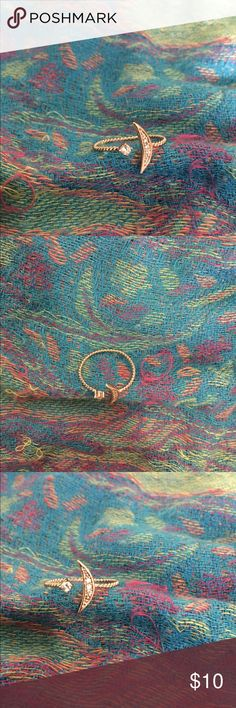 Crescent Moon Ring Worn twice, a beautiful open one size ring (works best for size  6,7,8,9). Doesn't turn your fingers green ladies!! (Major pet peeve for me) Jewelry Rings