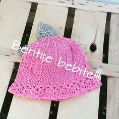Crochet baby beanie Crochet Baby Beanie, Crochet Hats, Baby Girl Beanies, Baby Girls, Fashion, Knitting Hats, Moda, Fashion Styles, Little Girls