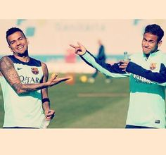 Dani Alves and Neymar FC Barcelona Fcb Barcelona, Barcelona Players, Hulk, Neymar Pic, Dani Alves, Real Madrid Soccer, Leonel Messi, Good Soccer Players, Manchester United Soccer