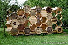 Festival des cabanes : http://www.archi20.eu/le-concours/les-laureats/article/k_abeilles