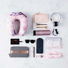 My Carry-On Essentials for Long Haul Flights – The Misguided Millennial Mein Handgepäck für Langstreckenflüge – The Misguided Millennial New Travel, Travel Packing, Travel Backpack, Travel Style, Travel Bags, Travel Plane, Travel Set, Packing Tips, Travel Chic