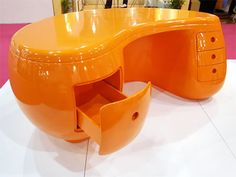 Furniture : Mesmerizing orange desk made from plastic furniture design ideas picture - a part of Desk unique design ideas for interesting work space and modern Orange Office Furniture, Cool Furniture, Furniture Design, Vintage Furniture, Orange Desks, Deco Design, Home And Deco, My New Room, Office Interiors