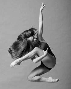Breath in technique, Breath out artistry - fyeahmoderndance: Photography: Christopher...
