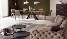 I #tavoli di #cattelan da anni regnano come incontrastati protagonisti nell'#interiordesign mondiale. un brand conosciuto ovunque degno ambasciatore del #design #madeinitaly.  www.l2gshopp.com