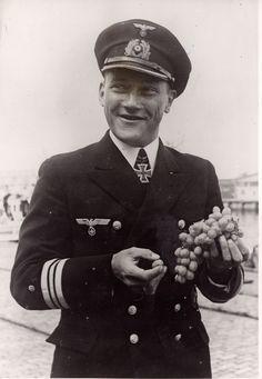 ✠ Erich Grundmann (2 June 1906 in Kiel – 7 September 1973) RK 31.05.1940 Kapitänleutnant (Ing.) Flotillen-Ing. d. 1. R-Flotille