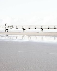TIME FOR A BEACH WALK ... HAVE A GREAT AND WONDERFUL WEEKEND . . . 2nd account : @vanessa.pur  SNAPCHAT : PUREGLAMTV . . . #spo #spolive #sanktpeterording #nordsee #see #bridge #reflection #reflections #walkway #walking #beachview #beach #beachphotography  #beachwalk  #streetphotography #coast #coastline #photooftheday #travel #traveldiary #ig_travel #deutschland  #diewocheaufinstagram #windy #wind #passionpassport #dhpnahundfern  #travelblogger #travelwithme #traveltheworld