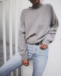 Gray sweater with blue jeans. – Johanna Jo Gray sweater with blue jeans. Gray sweater with blue jeans. Look Fashion, Winter Fashion, Fashion Outfits, Womens Fashion, Trendy Fashion, Fashion Spring, Fashion Ideas, Denim Fashion, Paris Fashion