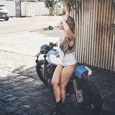 overboldmotorco: #GoodMorning #caferacerporn #motorcyclegirl #motorcyclesofinstagram #motorcycleporn #caferacerxxx #caferacersofinstagram #caferacer #girlpower by ridetobe http://overboldmotor.co