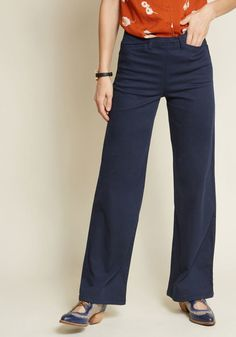 When scenic views and brewery tours beckon, don these navy wide-leg pants knowing they'll be a perfect fit for every occasion on your out-west adventure! Casual Work Outfits, Work Attire, Work Casual, Cute Outfits, Fashionable Outfits, Petite Outfits, Fall Outfits, Wide Leg Trousers, Wide Leg Pants
