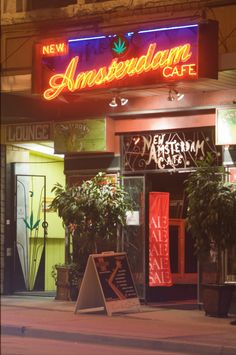 amsterdam cafe...HAPPY hour...soon come...I LUVie IT