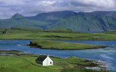 inner hebrides, scotland. this looks like such heaven to me. far away from everything, surrounded by water!