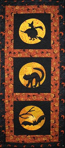 Halloween Moon Quilt Pattern by Marjorie Rhine Pattern for quilted wall quilt, banner, placemats and Trick-or-Treat bag. at pineneedlequiltshop.com Halloween Quilt Patterns, Halloween Quilts, Halloween Sewing Projects, Halloween Crafts, Halloween Placemats, Halloween Table Runners, Halloween Runner, Table Runner And Placemats, Quilted Table Runners
