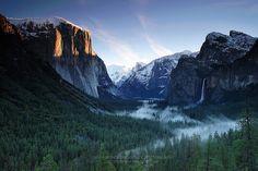 Yosemite Sunrise by Pete Wongkongkathep - Photo 581386 / 500px