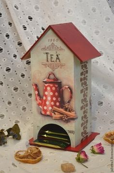 little tea house decoupage Cardboard Crafts, Wood Crafts, Diy And Crafts, Paper Crafts, Decoupage Vintage, Decoupage Foto, Decoupage Furniture, Tea Box, Painted Boxes