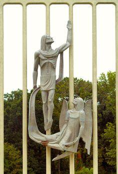 """Resurrection""   par fundraz34"