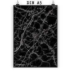 Poster DIN A5 Stadt Black aus Papier 160 Gramm  weiß - Das Original von Mr. & Mrs. Panda.  Jedes wunderschöne Poster aus dem Hause Mr. & Mrs. Panda ist mit Liebe handgezeichnet und entworfen. Wir liefern es sicher und schnell im Format DIN A5 zu dir nach Hause. Die Größe ist 148 x 210 mm.    Über unser Motiv Stadt Black  Die wunderschönen Stadtmotive im modernen BlackStil sind wirklich etwas ganz Besonderes und Einzigartiges. Wie immer bei Mr. & Mrs. Panda werden alle Produkte in unserer…