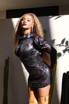 Check out Beyonce @ Iomoio Beyonce Knowles Carter, Beyonce And Jay Z, Beyonce Pics, Beyonce Cochella, Beyonce Beyhive, Beyonce Style, Queen B, Nicki Minaj, Rihanna