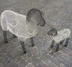 Chicken-wire sculpture by Benedetta Mori Ubaldini