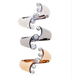 We just LOVE this image of the Yin Yang Rings by jeweller Bruce Harding. This artist, based in Kyoto, has a really contemporary approach to design, but the imagery is what really caught our attention! (Photo: kyotobruce.com) #thejewelcollective